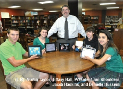WLM - Students with their ipad 2's