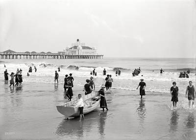 b2ap3_thumbnail_1920-Atlantic-City-bathers-and-Steel-Pier.jpg